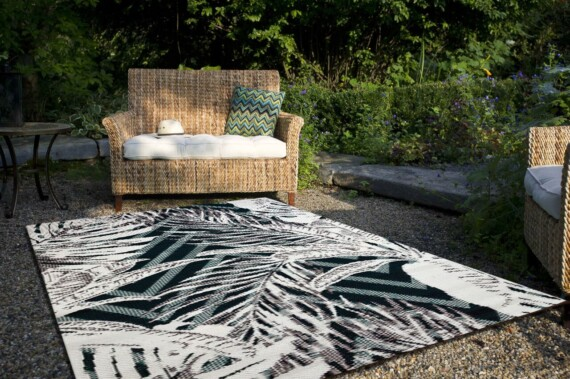 Bungalow Living Tropical Leaves Outdoor Rug