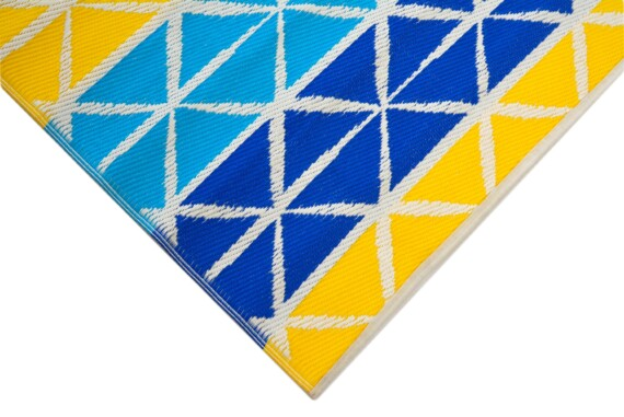 Beach Days Blue & Yellow Outdoor Mat 4